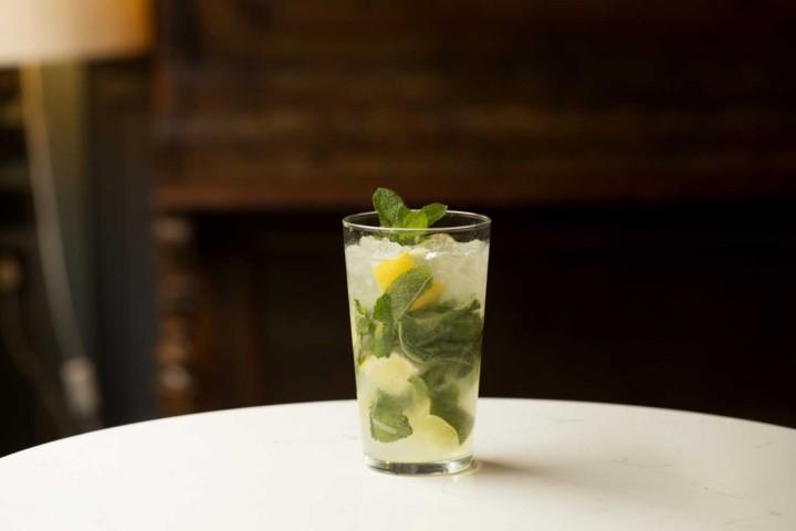 cocktails temple bar dublin